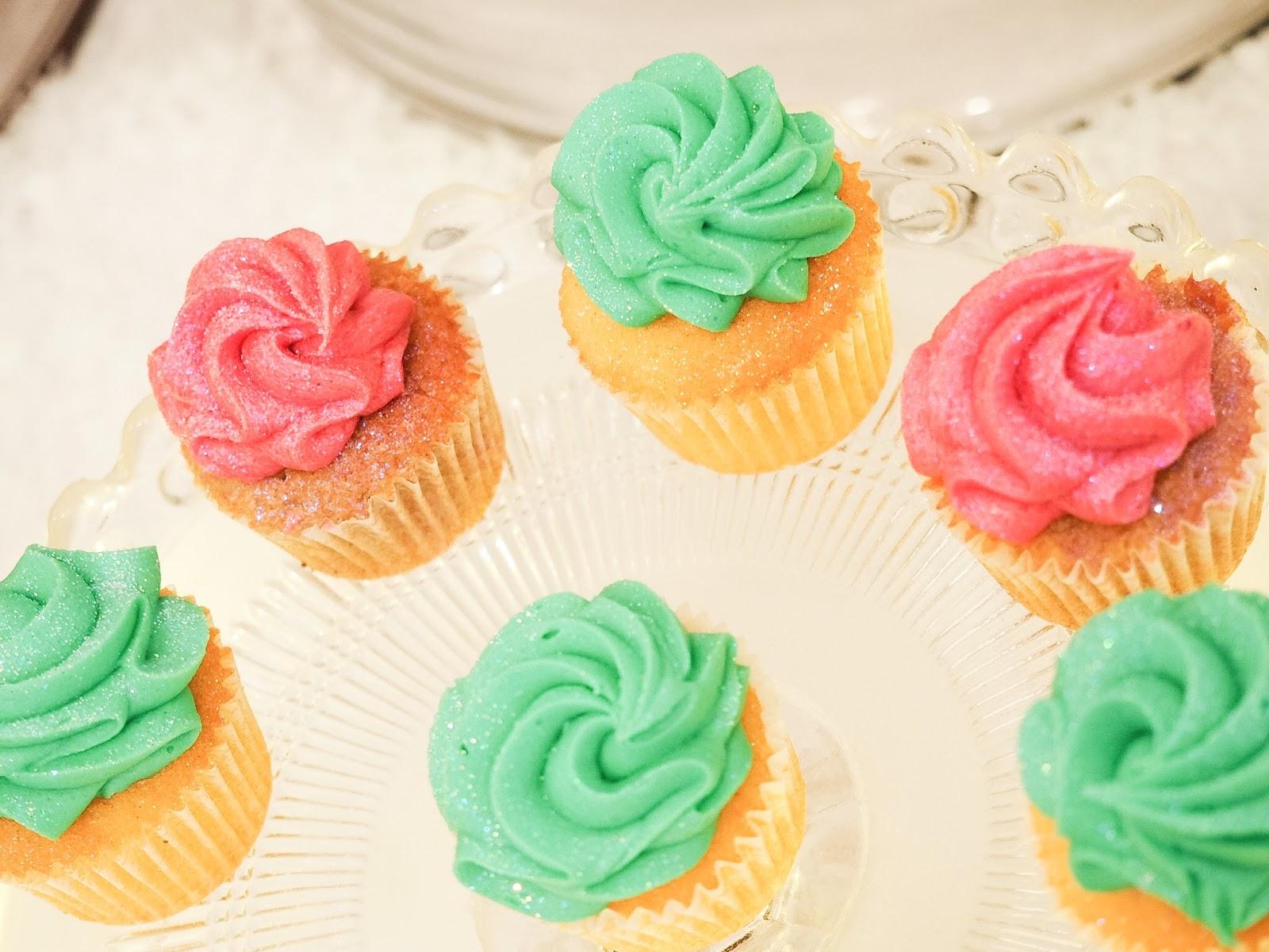 BlogospshereChristmas 2016-2 glitter cupcakes