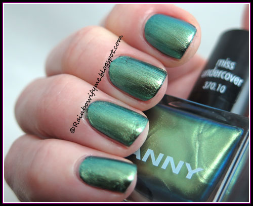 Anny ~ Miss Undercover