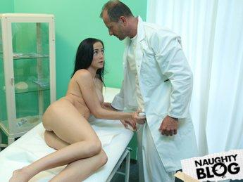 Fake Hospital – Nicole: Innocent Teen with Great Tits