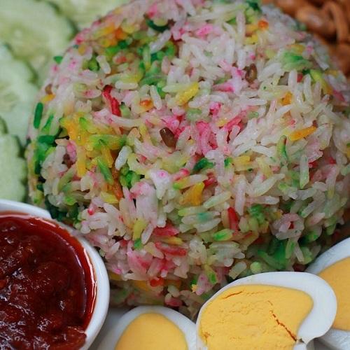 Nasi Lemak Special & Sambal Tumis Ikan Bilis!!