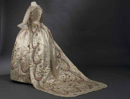 f477b4bbfa A divat története: Középkori divat