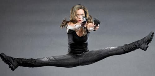 Summer Glau Sexy Terminator In Tight Jeans