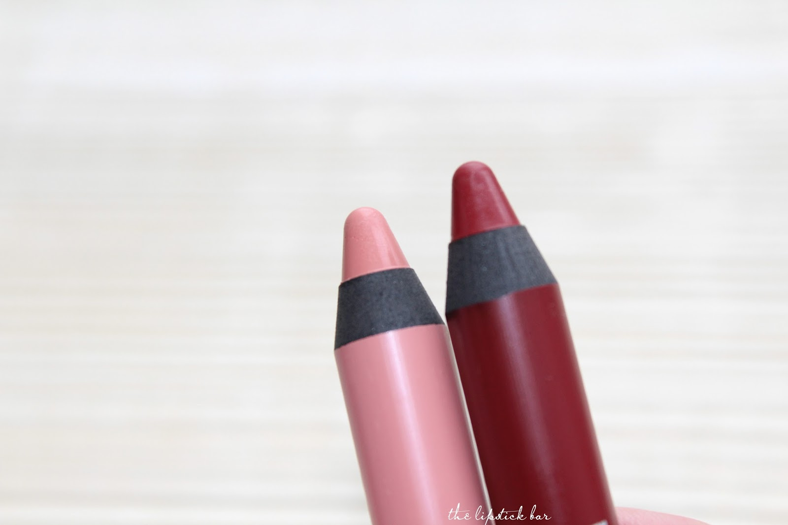 ESSENCE velvet stick Matt lip colour