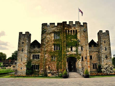 A wedding at Hever Castle