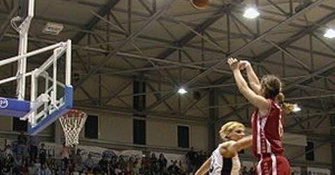 Pengertian Dan Cara Melakukan Jump Shoot Dalam Olahraga Bola Basket