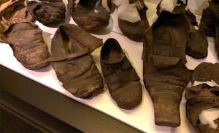 Sejarah Asal Usul Sepatu