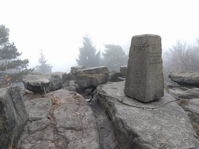 Gipfeldenkmal Lippische Velmerstot