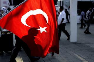 Οι τούρκοι ζητούν τη σύλληψη και πρώην στελέχους της CIA