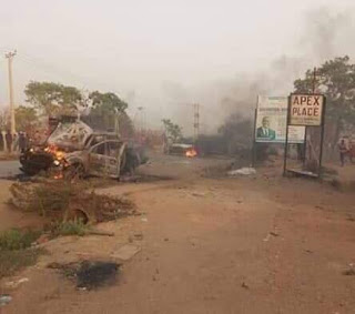 Abuja  boys set Apc car's on fire for fight Peter Obi