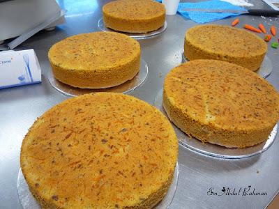 Receita de bolo de cenoura com laranja e açafrão