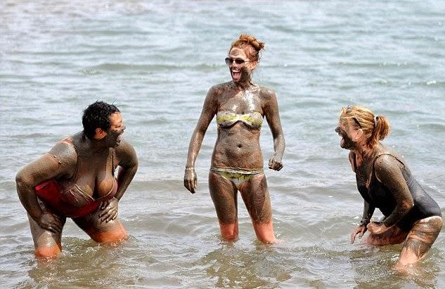 Danielle O'Hara Latest Bikini Pics