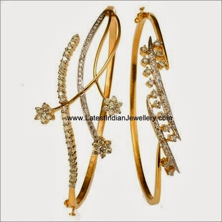Ladies Diamond Bracelet in Gold