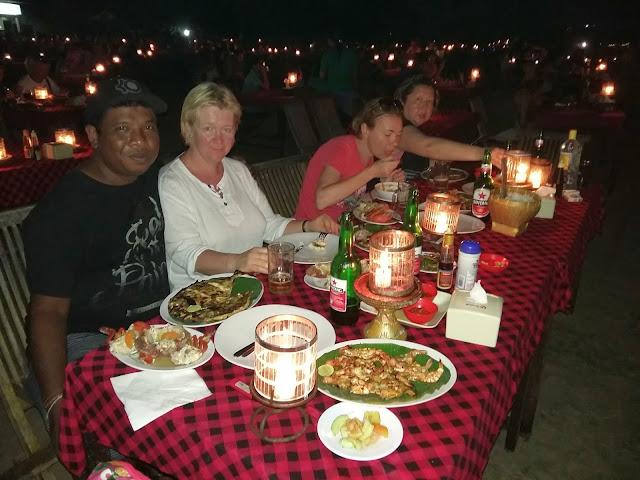рестораны на пляже в джимбаране. цены