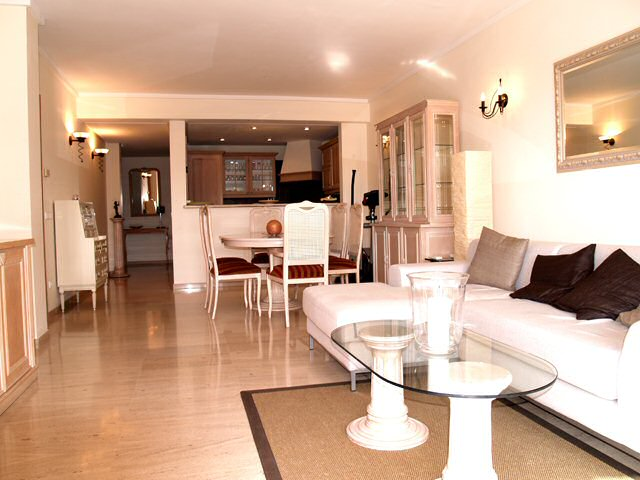 Nash homes mallorca beautiful apartment on golf course - Semi open floor plan ...