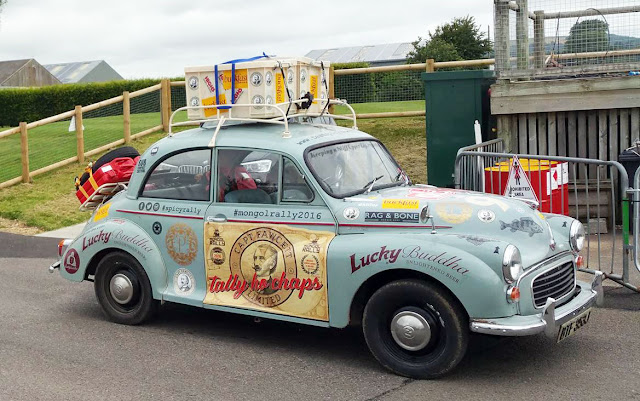 Team Spicy Wanderlust Morris Minor