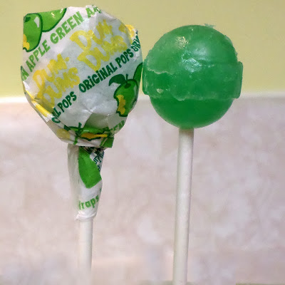 Dum Dums Holiday Pops