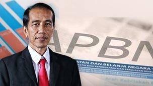Pemerintahan Jokowi-JK telah mengajukan RAPBN 2016 kepada DPR. RAPBN itu menggambarkan bagaimana kondisi perekonomian dan keuangan negeri ini tahun depan. RAPBN juga menggambarkan apa yang akan diterima dan dihadapi oleh rakyat tahun depan. Pada sisi penerimaan, RAPBN 2016 menggambarkan beban pembayaran rakyat makin besar, sementara pada sisi belanja beban rakyat juga makin berat.  Subsidi Terus Dikurangi  Sebagaimana diketahui, setiap tahun subsidi untuk rakyat dalam APBN terus dikurangi. Pada APBNP 2015 anggaran subsidi turun drastis sebesar 60%, dari Rp 341,81 triliun pada tahun 2014 menjadi hanya Rp 137,82 triliun pada tahun 2015, atau turun Rp 203,99 triliun! Penurunan itu terutama karena subsidi untuk premium dihapuskan. Akibatnya, harga premium ditetapkan mengikuti harga minyak dunia sejak Maret 2015. Sebelumnya, pada Oktober 2014, dengan alasan saat itu harga minyak dunia naik, Pemerintah Jokowi menaikkan harga BBM di dalam negeri. Kenaikan harga BBM itu menyebabkan daya beli masyarakat anjlok hingga saat ini. Namun, Pemerintah tak konsisten. Giliran harga minyak dunia anjlok drastis hingga kisaran US$ 40-an perbarel saat ini, nyatanya Pemerintah tak menurunkan harga BBM. Menteri ESDM beralasan, meski harga minyak dunia turun saat ini, harga BBM di dalam negeri tak diturunkan karena Pertamina masih merugi.  Pada RAPBN 2016 anggaran subsidi untuk rakyat kembali dikurangi. Di antara yang dipangkas adalah subsidi listrik; dipangkas Rp 23,15 triliun, dari Rp 73,15 triliun di APBNP 2015 menjadi hanya Rp 50 triliun di RAPBN 2016. Akibatnya, tahun 2016 subsidi untuk pelanggan 900 KWh akan dihilangkan. Itu artinya, tarif listrik untuk pelanggan 900 KWh tahun depan dipastikan bakal naik. Lagi-lagi beban rakyat dipastikan makin bertambah.  Untuk subsidi non-energi, subsidi pangan (raskin) RPABN 2016 memang naik Rp 2,05 triliun, yakni menjadi Rp 20,99 triliun dari sebelumnya Rp 18,94 triliun di APBNP 2015. Namun, subsidi pupuk dipangkas Rp 9,4 triliun, yakni dari Rp 39
