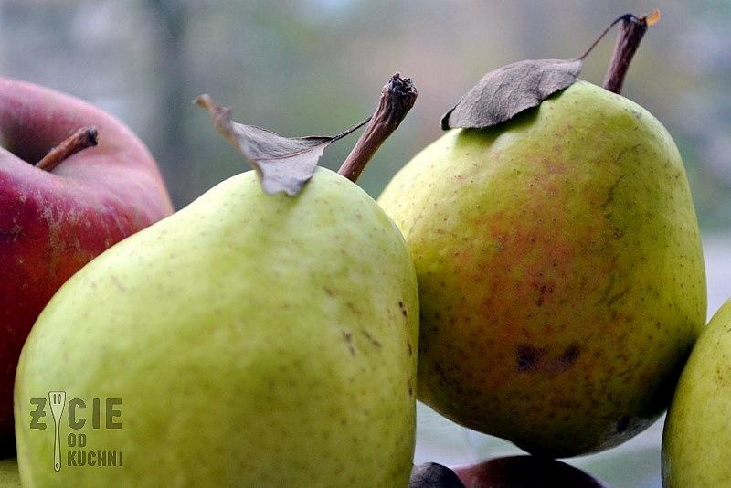 gruszki, jablka, ciasto z gruszkami, przepisy z gruszkami, jesienne ciasto, ciasto orzechowe, zycie od kuchni