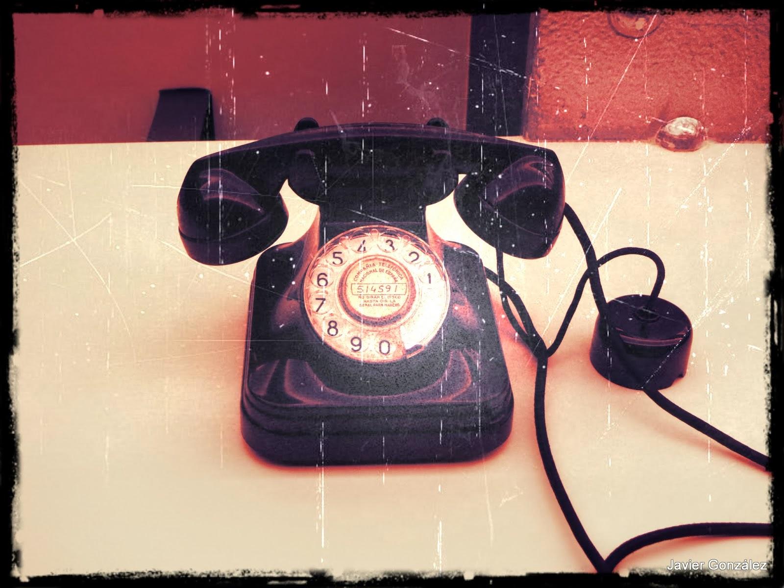 Teléfono clásico de marcación por disco Telephone classic rotary dial