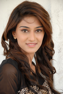 Most Popular Celebrities Erica Fernandes HD Wallpapers1.png