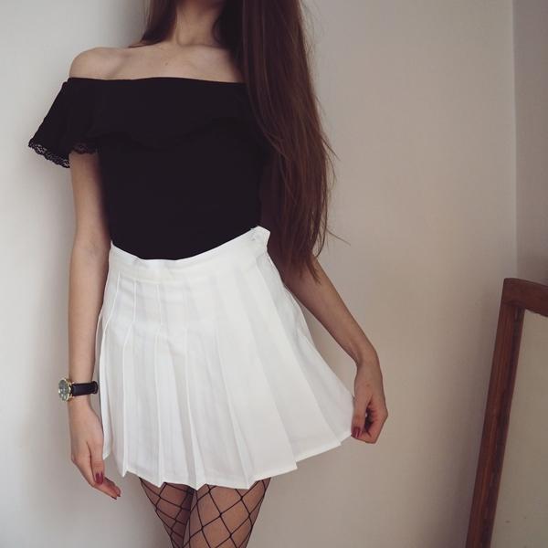 stylizacja z białą spódniczką, stylizacja z hiszpanką