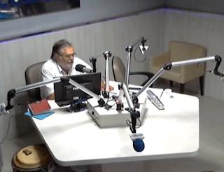 Emissora de rádio é assaltada e locutor pede socorro ao vivo em Caruaru