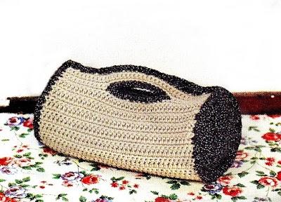 Bolso Cilíndrico de un trozo de Crochet