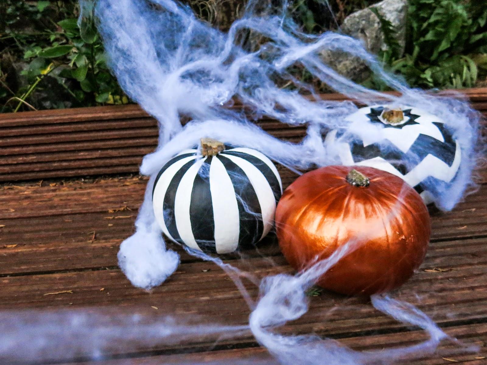 Halloween pumpkin painting craft DIY