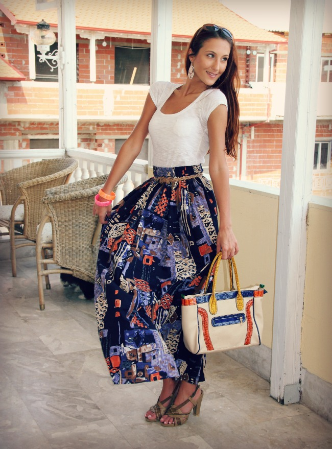 Printed navy maxi skirt and white shirt outfit