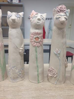cat raku ceramic daisy gerbera, roses flowers
