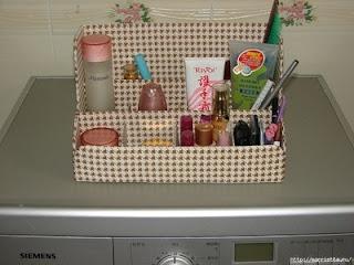 Полочка из картона для ванной комнаты