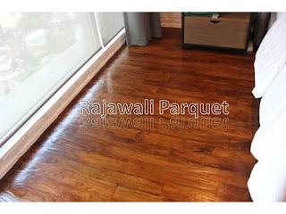 manfaat lantai kayu dapat memberikan kesan hunian natural