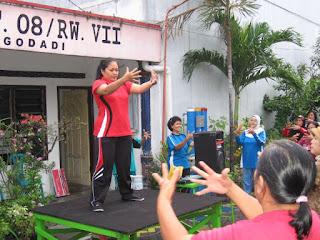 Kegiatan rutin untuk menjaga kesehatan yang dilakukan setiap minggu di Wilayah Kelurahan Gundih.