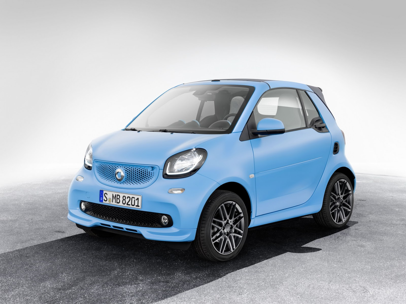 brabus packages up smart fortwo forfour still no performance versions. Black Bedroom Furniture Sets. Home Design Ideas