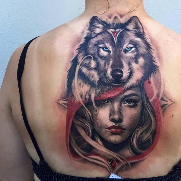 kırmızı başlıklı kız ve kurt dövmesi