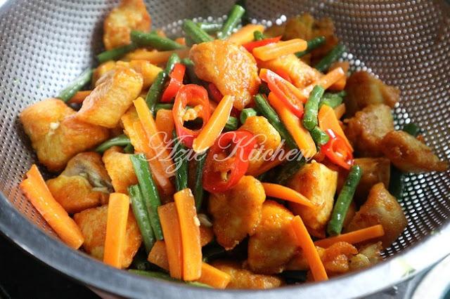 Nasi Ayam Goreng Kunyit Mudah dan Sedap