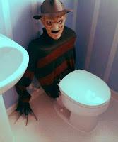 decoracion terrorifica de freddy krueger para halloween