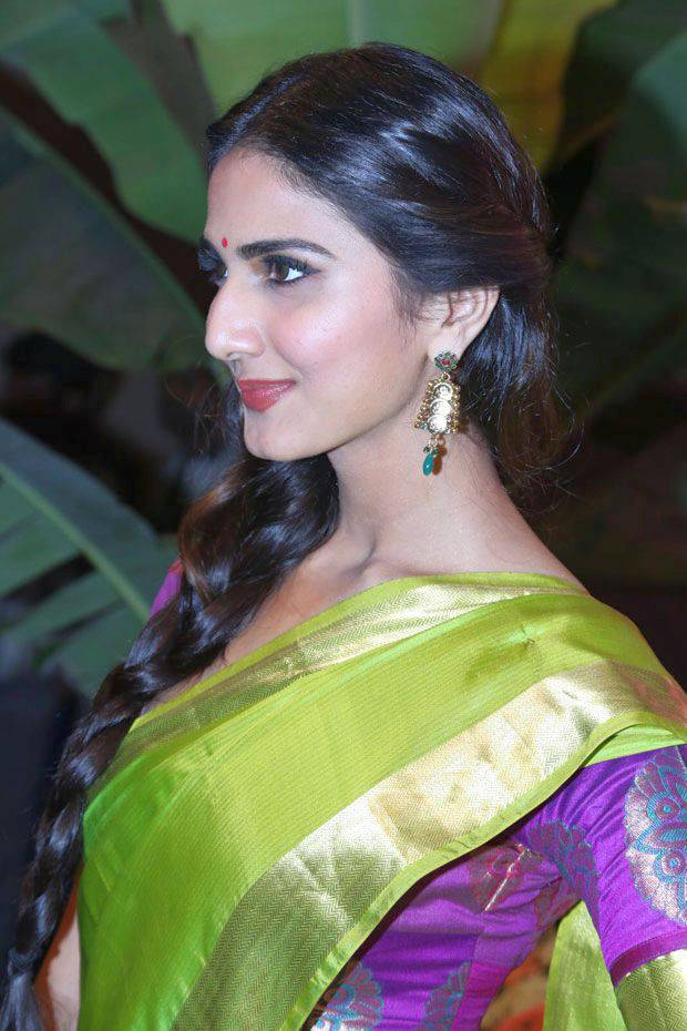 Bollywood Hot Actress Vaani Kapoor Long Hair Photos In Traditional Green Saree