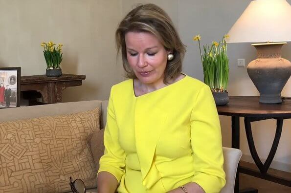 "Marie Colot, called ""Jusqu'ici tout va bien"" (So far everything is well). the coronavirus pandemic, Queen Mathilde"