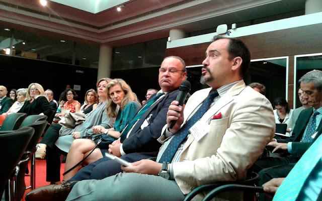 Jose ignacio torres. Representante de CEPYME. Durante su  intervencion poniendo en cuestion la problematica de la implantacion del sistema compliance para las pymes.