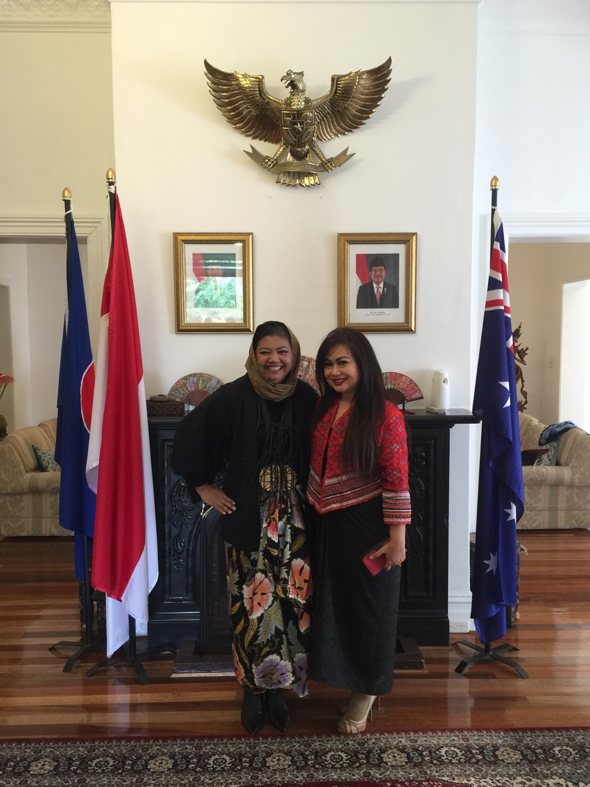 Mrs Irene Mulyana spouse of Indonesian Consul General to NSW host of the event with Ms Novita Yunus Batik Chic designer