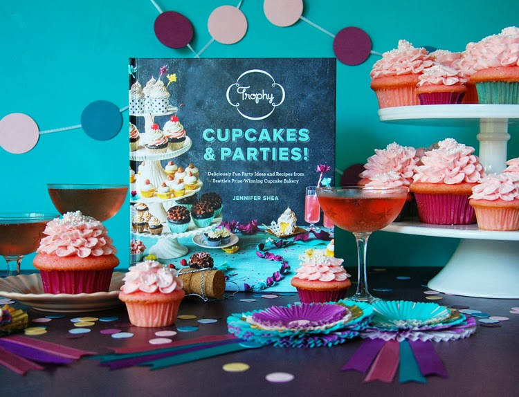 Trophy Cupcakes and Party! Book