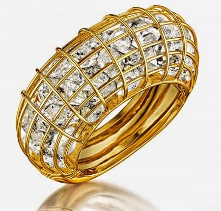 97cd92daf6219 تألقي بمجوهرات ناعمة وبراقة - فاشون