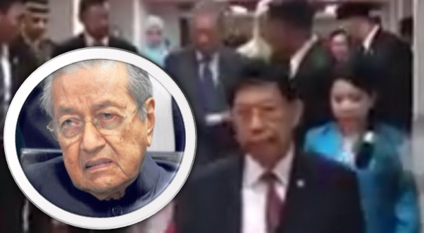 Video Tun Mahathir hampir Rebah di Brunei tular, Namun..