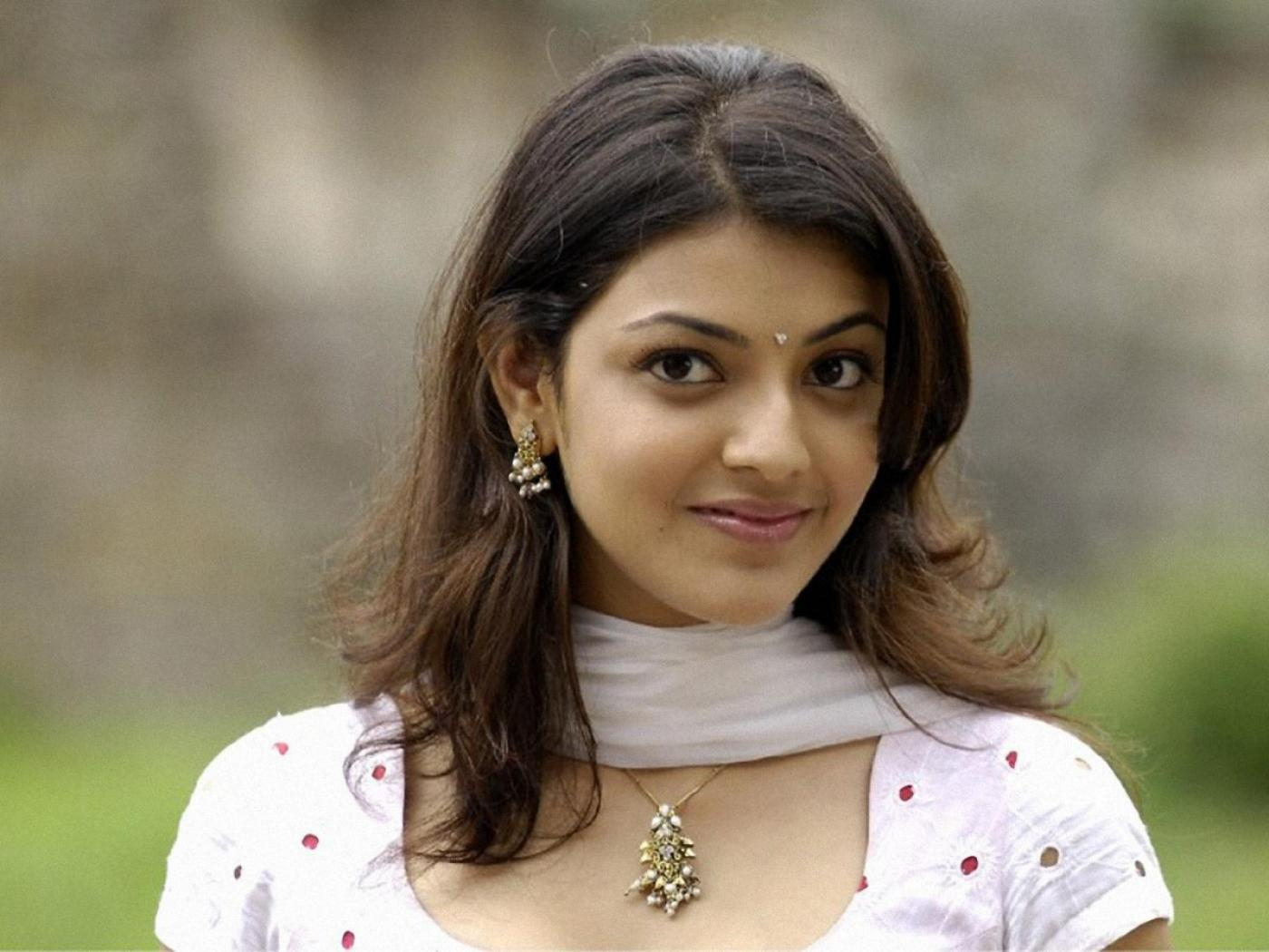 Photos-99Blogspotcom Telugu Heroine Kajol Agarwal Hot