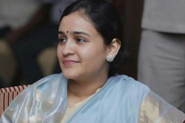 सपा ने अपर्णा का टिकट काटा, लड़ सकती हैं बीजेपी से चुनाव - newsonfloor.com