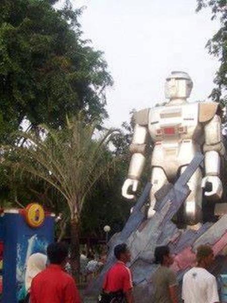 Patung Gaban Dunia Fantasi Ancol