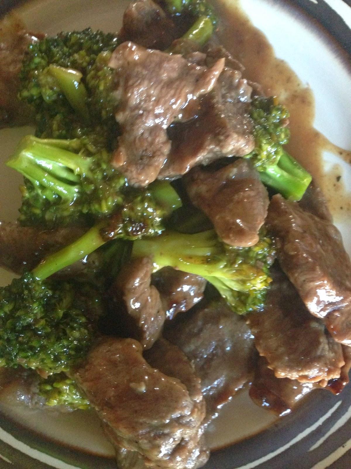 Sarah Griffith -  Sirlon Steak And Broccoli Stir Fry-6460