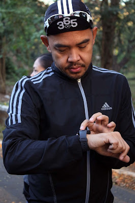 Xander Angeles sets up his Gear S2