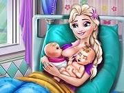Disfruta de Elsa en su nueva etapa como mamá de dos preciosos gemelos. Ayuda a Elsa en el nacimiento de los dos hermosos bebés en este increíble juego de cuidar bebés. Elsa está a punto de dar a luz a sus bebés y necesita que la ayudemos con algunas tareas, primero llama al 911, luego, prepara su bolso para el hospital y cuida de ella mientras espera la ambulancia. Elsa será la mamá más orgullosa y estaremos allí para enseñarle a cambiar los pañales de los bebés y asegurarnos de que están felices y bien alimentados!